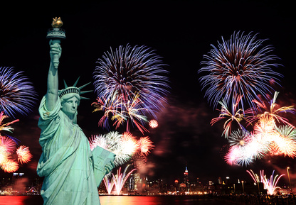 new-york-statue-of-liberty-fireworks